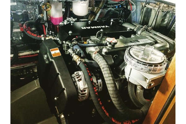 First Service On A Yanmar 4jh 110 Common Rail Engine